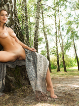 Sweet natural brunette outdoor show us her body